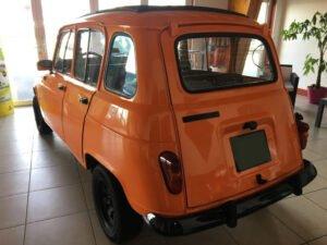 restauration voiture Renault 4L